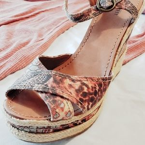 New! Nine West Wedge